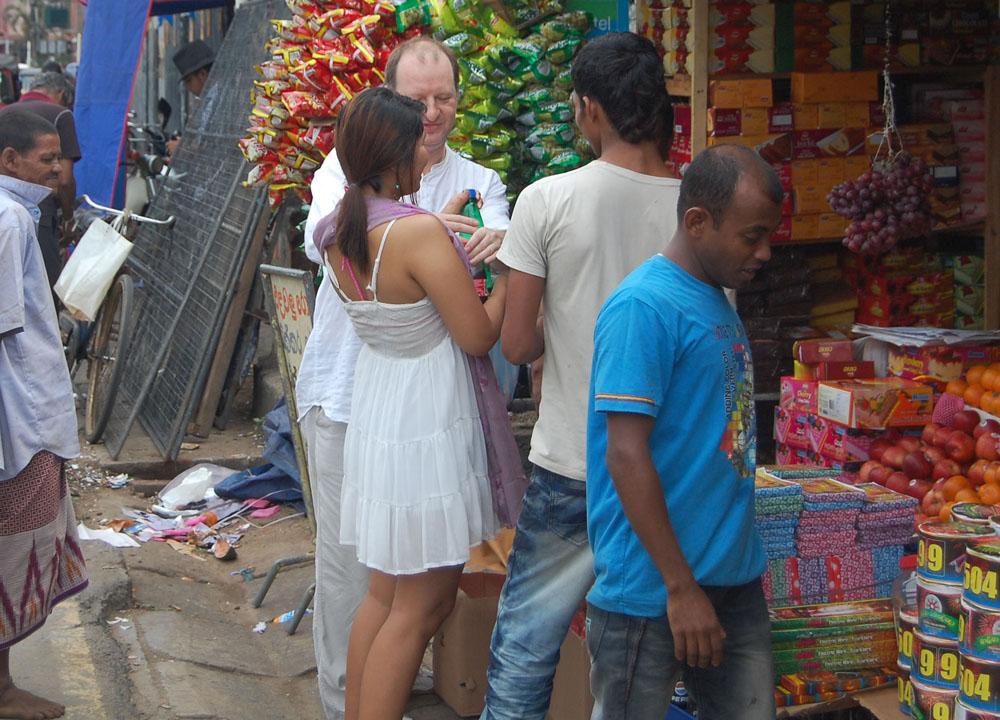 Shops at Matara Bus Station, South Sri Lanka Tour, Independent Travel
