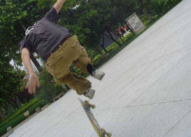 Skateboarding, Benjasiri Park, Queen's Park, Bangkok, Southeast Asia