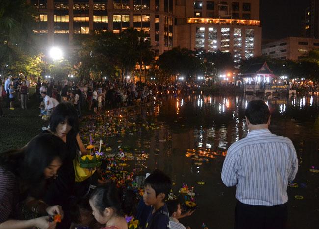 Loy Krathong, Cost of living in Bangkok on a Budget, Sukhumvit area