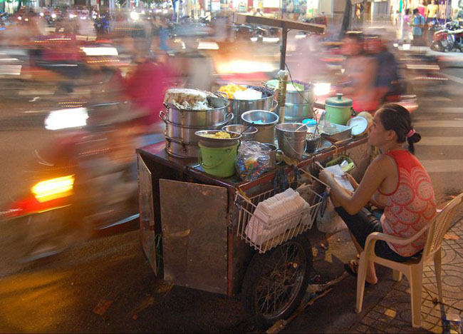 Weekend in Ho Chi Minh City Saigon - Blur of Motorbikes HCMC