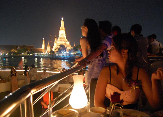 Wat Arun, Bangkok Dinner Cruise, Romantic Valentines, Southeast Asia
