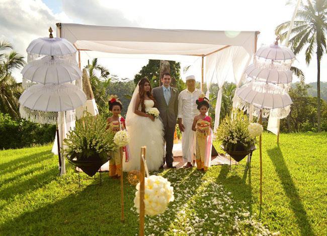 White Satin Altar, Wedding at Alila Ubud, Married in Bali Indonesia