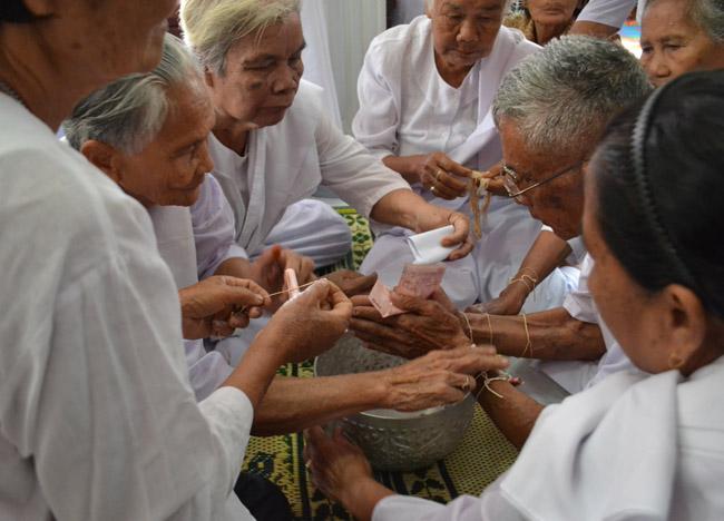 Sai Sin Bracelets, String Bracelets Thailand, Sai Sin Sacred Thread, Asia