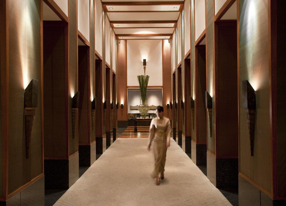 Top 10 boutique hotels in bangkok sukhumvit silom riverside for Design boutique hotel hanoi
