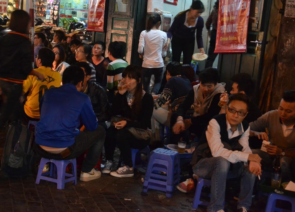 Bia Hoi Beer Corner, Hanoi Night Market, Hang Dao, Weekend Nightlife