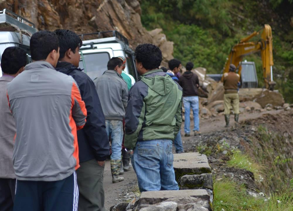 Blocked by Mountain Landslide, Gangtok to Changu Lake, Low Season, Sikkim