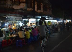 Street Eating at Night, Best Sukhumvit 38 Street Food, Bangkok
