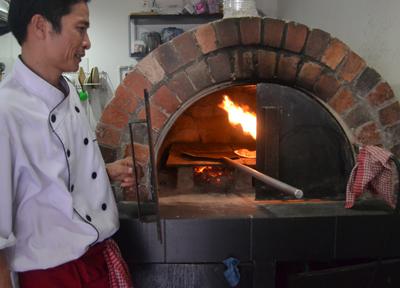 featured-image-steet-food-pizza-bangkok-yan-pizza-seven-zero-