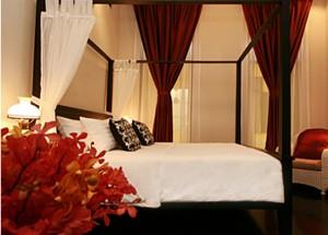 Top 10 Best Budget Hotels in Bangkok, Baan Pra Nond Bedrooms