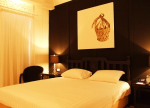 Top 10 Best Budget Hotels in Bangkok, Heritage Baan Silom Hotel