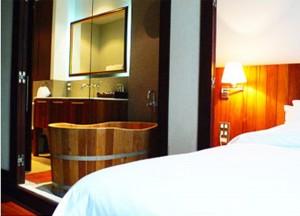 Top 10 Best Budget Hotels in Bangkok, Luxx Hotel Bathtub