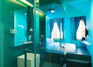 Best Design Boutique Hotels in Singapore, Open Bathrooms