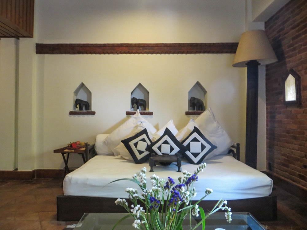 Dwarika 39 s hotel kathmandu nepal simply stunning for Interior house design in nepal