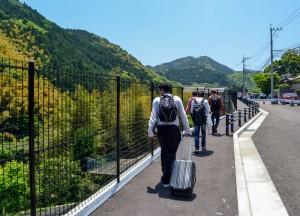 Walking Travel to Kawachi Fuji Garden and Wisteria Tunnel