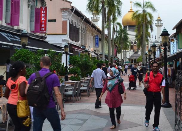 Walking Street. Clover 33 Jalan Sultan Boutique Hotel in Bugis Singapore